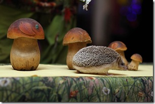 Ежик и грибы