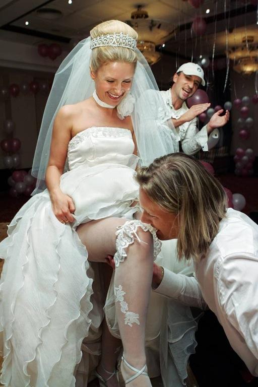 Трусики на свадьбе у пьяной невесты