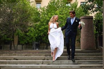 Прогулка в платье белом